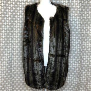MAX STUDIO 3X Faux Fur Floral Vest Brown Tan EUC